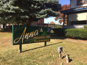 Anna's - frontage